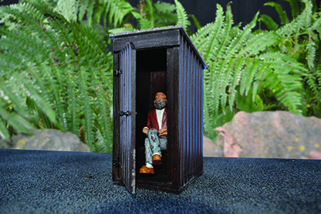 BM006 16mm Outside Privy Assembled & Painted (Figure not included).