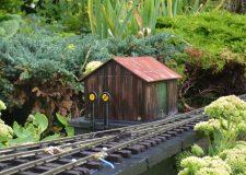 BM047 – Corrugated Iron Lineside Building – Flat Pack