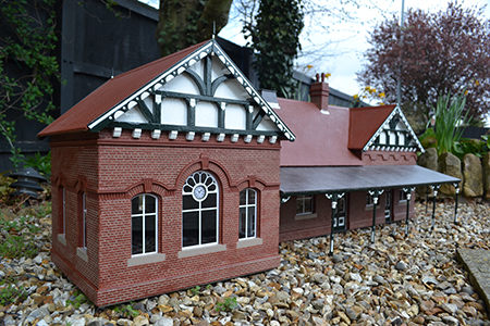 SP007 15mm Port Erin Station Building Assembled & Painted